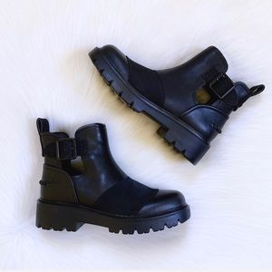 UGG Stockton Black Leather Ankle Boots